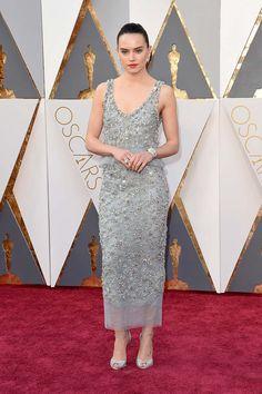 Daisy Ridley en Chanel. La alfombra roja de los Premios Oscar 2016
