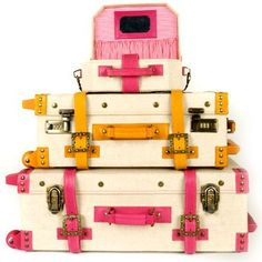 J'adore... Vintage Luggage <3  These are new from SteamLine Luggage: The Editor Series
