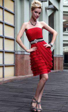真っ赤で大胆なワンピも♡セクシーなチューブトップコーデ☆参考にしたいスタイル・ファッションまとめ♪
