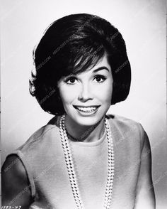 portrait photo of Mary Tyler Moore Thoroughly Modern Millie 2245-07
