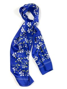Scarf with White Flowers and Blue White Flowers, My Style, Clothing, Blue, Beautiful, Products, Fashion, Outfits, Moda