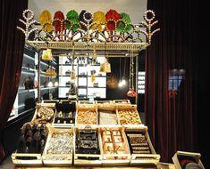 Dolce & Gabbana Christmas windows 2012, Vienna visual merchandising