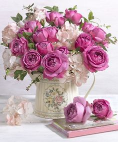 Marianna Lokshina - Greeting Card Floral Flowers LMN41025
