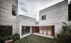 Diseño y planos de una casa en terreno con forma irregular | Construye Hogar