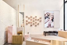 For Linda Farrowu0027s First New York City Store In SoHo, Studio Giancarlo  Valle Set Out To Create An Atmosphere Of Earthy Luxury Within A Compact  Footprint.