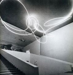Luce spaziale, Lucio Fontana, triennale Milano, 1951