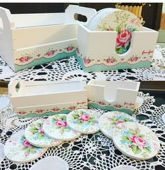 Decoupage Vintage, Decoupage Wood, Wooden Tool Boxes, Wood Storage Box, Wood Boxes, Decorating Small Spaces, Diy Crafts To Sell, Diy Home Decor, Decorative Boxes