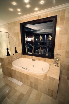 Marble Bathroom, Orchids, Executive Suite