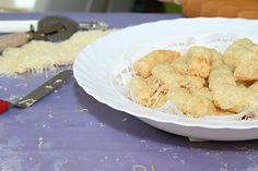 Könnyen elkészíthető gyors, finom. Juhtúrós, sajtos rudacskák. A gyerekek imádják!