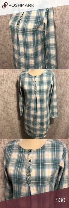 """Pendleton Plaid Flannel Short Nightgown Shirt Blue 100% cotton ~ soft, cozy flannel in a cute plaid print!           Underarm to underarm approx 19.5"""" across.                       Approx 32.5"""" long, longest at center and curves upward slightly. Sleeves approx 21.5"""" long. Three buttons at top. No tears, stains, or rips. Clean and lovely! Thanks for shopping Lilac Lane and take a peek at our closet! :) Pendleton Intimates & Sleepwear Pajamas"""