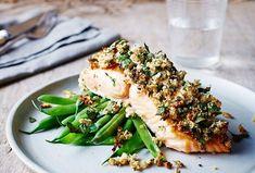 Salmon with horseradish crust & green beans recipe Green Bean Recipes, Salmon Burgers, Avocado Toast, Green Beans, Healthy Recipes, Delicious Recipes, Healthy Foods, Yummy Food, Treats