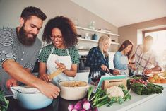 Whether you're an accomplished cook wanting to sharpen your skills or you'd just like to graduate from making cereal, these casual cooking schools will teach you the skills you need to navigatein the kitchen and have fun doing it.