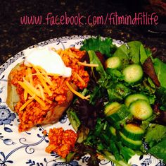 Chili Cheese Baked Potato: 21 Day Fix Approved ann.woelfel.blogspot.com, facebook.com/fitmindfitlife #fitmom #healthyeating #21dayfix