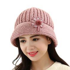 2017 Beanies Women's Winter Hats For Women Knitted Bonnet Caps Winter Women's Hats Brand Ski Wool Fur Sports Beanie Hat Knit Beanie Hat, Crochet Beanie, Knitted Hats, Crochet Hats, Visor Beanie, Winter Hats For Women, Winter Outfits Women, Outfit Winter, Knitted Flowers