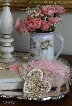 Shoestring Elegance: Thursdays Favorite Things (My First One As a Co-Host)