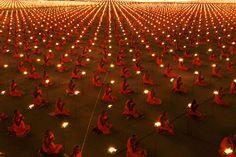 The Buddhist Temple of Wat Phra Dhammakaya celebrates the Buddhist holy day of Makha Bucha with a mass candlelight vigil of around 100,000 monks and lay people. Luke Duggleby, UK.