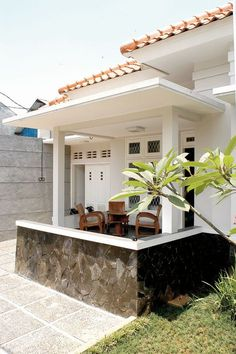 30 Ideas home architecture exterior indian Bungalow House Design, Small House Design, Modern House Design, Dream House Plans, Modern House Plans, Small House Plans, Indonesian House, Three Bedroom House Plan, Kerala House Design