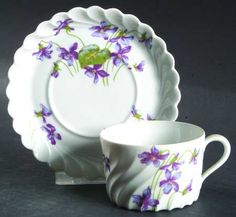 China Cups And Saucers, China Tea Cups, Cup And Saucer Set, Tea Cup Saucer, Romantic Cottage, Romantic Homes, Rose Tea, Rose Flowers, Purple Roses