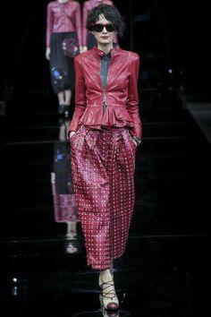 Emporio Armani Fall 2015 Ready-to-Wear Collection Photos - Vogue Catwalk Fashion, Fashion Week, Fashion Beauty, 2015 Trends, Fall Trends, Emporio Armani, Giorgio Armani, Armani Prive, Fashion Show Collection