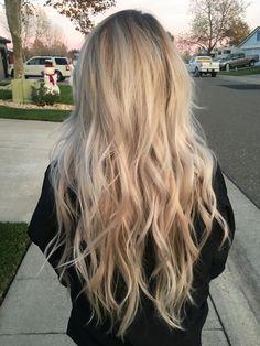 """Uploaded by Alexa Tall Warm blonde balayage. Blonde Hair Shades, Blonde Wavy Hair, Light Blonde Hair, Warm Blonde, Blonde Hair Looks, Beach Blonde Hair, Super Blonde Hair, Carmel Blonde Hair, Light Blonde Balayage"