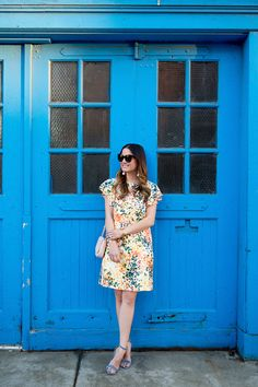 931395d04e4e Donna Morgan Scarlett flutter sleeve dress on Style Charade Blogger Jennifer  Lake - street style Chicago