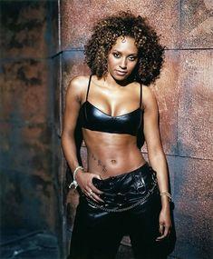 Mel Brown, Spice Girls, Beautiful Black Women, White Women, Beautiful Ladies, Black Pin Up, Geri Halliwell, Sexy Older Women, Female Singers