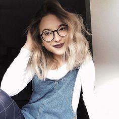 Agata Gładysz 🌸 Famous People, Idol, Vogue, Stars, Instagram, Fashion, Moda, Fashion Styles, Sterne