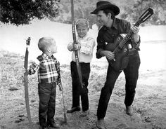 Roy Orbison with his sons Roy Dewayne and Tony who both died tragically in a house fire in 1968.