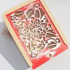 "KADORIS.RO: ""GLISSANDO RED"" - Casetă cu capac glisant (lemn natur)"