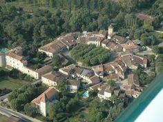 Fourcès, village visité lors d'une randonnée