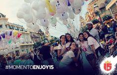 #momentoEnjoy15 la foto con los globos en #magicKingdom