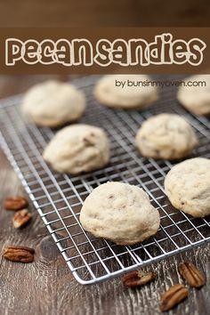 Pecan Sandies | bunsinmyoven.com