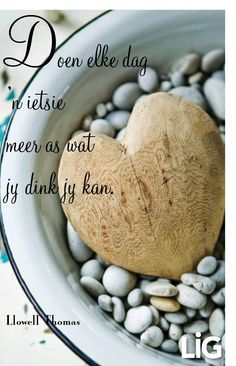Die 'n ietsie meer. __Lig Tydskrif __ⓠ Llowel Thomas Bible Quotes, Qoutes, Motivational Quotes, Afrikaanse Quotes, God's Wisdom, Well Said Quotes, Happy Wishes, Printable Quotes, Strong Quotes