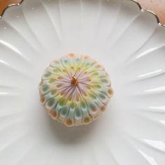 #練り切り 製の#花火 です。 #和菓子 #wagashi #sweets #上生菓子 #綺麗 #可愛い #花火大会 #三代目 #名古屋 #和菓子屋 #japanesesweets