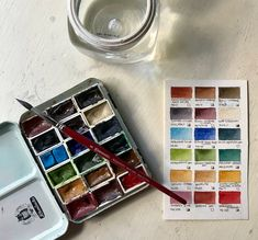 Watercolor Pallet, Watercolor Tips, Watercolor Techniques, Watercolour Painting, Art Hoe, Painted Boxes, Process Art, Decor Crafts, Art Supplies