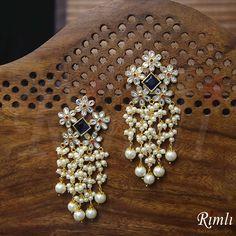 Cz Jewellery, Pearl Jewelry, Antique Jewelry, Gold Jewelry, Gold Jhumka Earrings, Diamond Earrings, Pearl Earrings, Tassel Earing, Beautiful Words Of Love