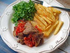 Εξοχική χοιρινή τηγανιά στο φούρνο #sintagespareas Steak, Beef, Food, Meat, Essen, Steaks, Meals, Yemek, Eten
