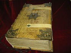 HILDEGARDA DE BINGEN Santa Hildegarda de Bingen O.S.B. (en alemán: Hildegard von Bingen; Bermersheim vor der Höhe, junto a Alzey, Rheinhessen, Renania-Palatinado, Alemania, 16 de septiembre de 1098 - Monasterio de Rupertsberg, Bingen, Rheinhessen, Renania-Palatinado, Alemania, 17 de septiembre de 1179) fue abadesa, líder monacal, mística, profetisa, médica, compositora y escritora alemana. Es conocida como la sibila del Rin y como la profetisa teutónica. El 7 de octubre de 2012 el papa…