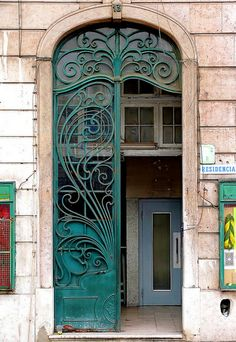 17 Praça dos Restauradores, Libon - Portugal   by Arnim Schulz, via Flickr