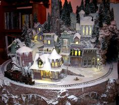Christmas Village Ideas   On30 Christmas Train   X-mas village ideas!!