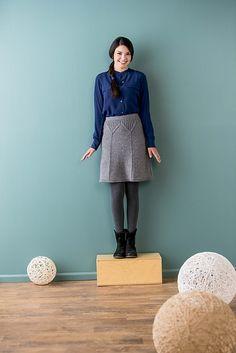 Ravelry: Golden Gate Skirt pattern by Alison Stewart-Guinee Kitten Mittens, Mermaid Purse, Grey Tights, Mini Stockings, Fishtail Skirt, Royal Colors, Cinderella Dresses, Knitting Magazine, Sweater Coats