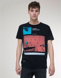 Pull&Bear - man - t-shirts - short sleeve print t-shirt - black - Juniors Graphic Tees, Casual Shirts, Tee Shirts, Custom Made Shirts, Pull N Bear, Camisa Polo, Textiles, Great T Shirts, Manga