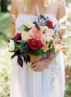 Currumbin Valley, Red Berry Toned Bouquet, Cotton Blossom Studio