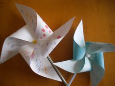 How to make a Paper Windmill/Pinwheel Paper Windmill, Pinwheels, Make It Simple, My Favorite Things, Creative, How To Make, Homeschool, Wordpress, Fly Reels
