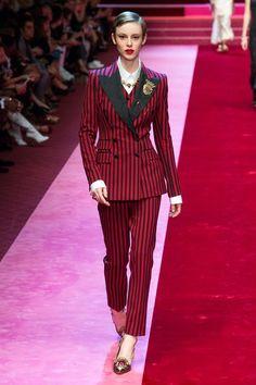 Dolce & Gabbana Spring 2018 Ready-to-Wear Collection Photos - Vogue