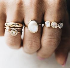 Black Diamond Engagement Ring Set Floral Vintage Matching Rings Two Tone Gold Engagement Rings - Fine Jewelry Ideas, Diy Abschnitt, Boho Jewelry, Jewelry Rings, Jewelry Accessories, Fine Jewelry, Women Jewelry, Fashion Jewelry, Jewelry Ideas, Silver Jewelry, Pearl Jewelry