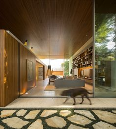 The Tetris House in São Paulo, Brazil by Studio The team of Studio has developed the Tetris House located in Sao Paulo, Brazil. Residential Architecture, Amazing Architecture, Contemporary Architecture, Interior Architecture, Contemporary Homes, Tropical Architecture, Modern Homes, Studio Mk27, Tetris