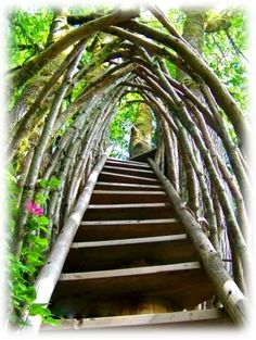 Custom Treehouse Stairs - very cool. Backyard Playground, Backyard Patio, Backyard Zipline, Nocturne, Tree House Accessories, Outdoor Play Structures, Types Of Stairs, Craftsman House Plans, Flowering Vines