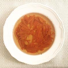 Dieta dr Dąbrowskiej ROSÓŁ - zupy. Najsmaczniejszy rozgrzewający rosół z makaronem na post dr Dąbrowskiej. Zdrowa wegańska wersja bez grzybów i pszenicy. Thai Red Curry, Ethnic Recipes, Food, Diet, Essen, Meals, Yemek, Eten