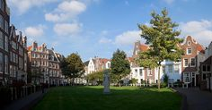 The Begijnhof is one of the oldest inner courts in the city of Amsterdam